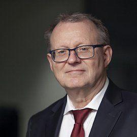 LARS K. GRØNDAHL